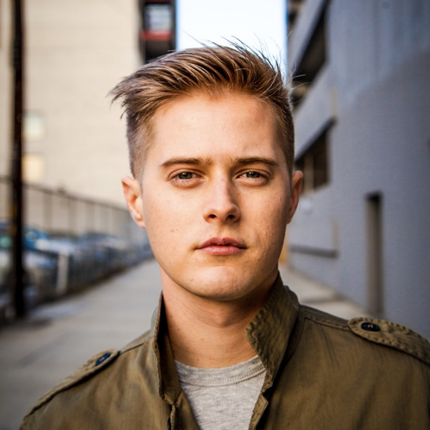 Lucas Grabeel- Hey, Kid! You Should Be In The Pictures! (High School Musical, Switched At Birth, Pinky Malinky)